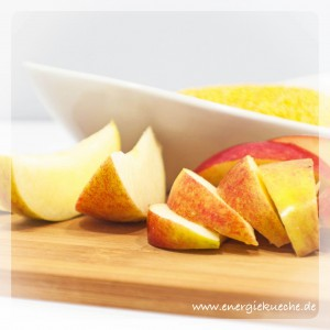 Hirse und frische Äpfel