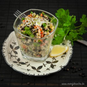 Quinoa-Linsen-Salat mit Alfalfa-Sprossen