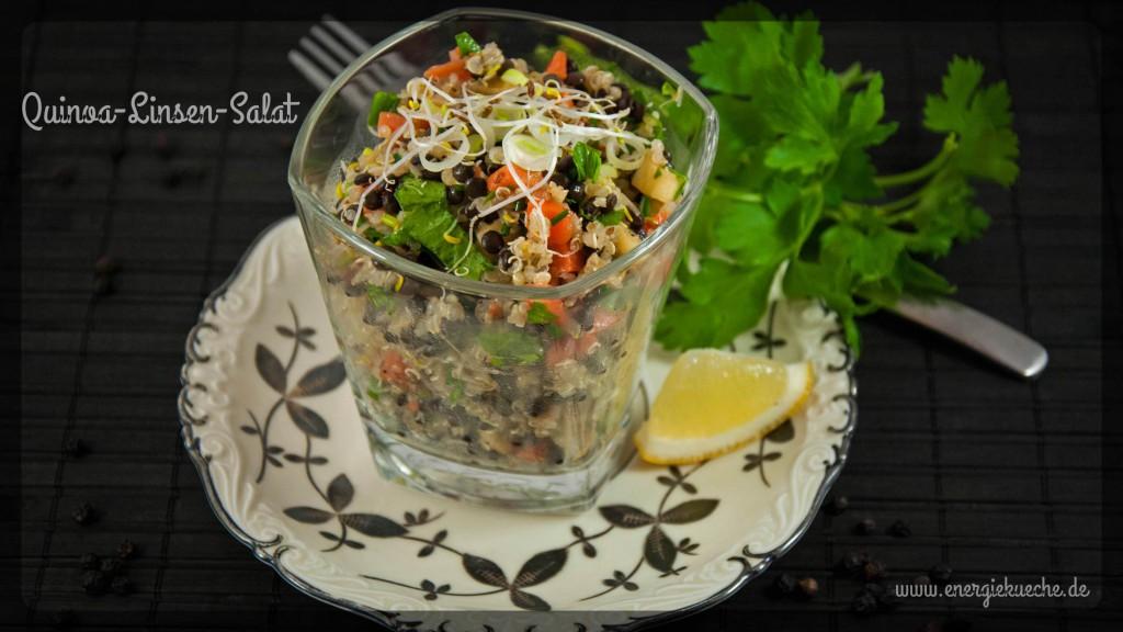 Herzhafter Quinoa-Linsen-Salat mit frischen Sprossen