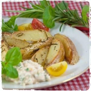 Knusprige Ofenkartoffeln mit Kräuterdip
