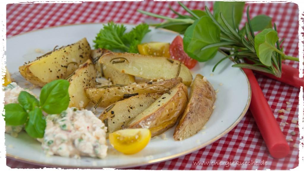 Rosmarin-Kartoffeln mit Kräuter-Frischkäse-Dip