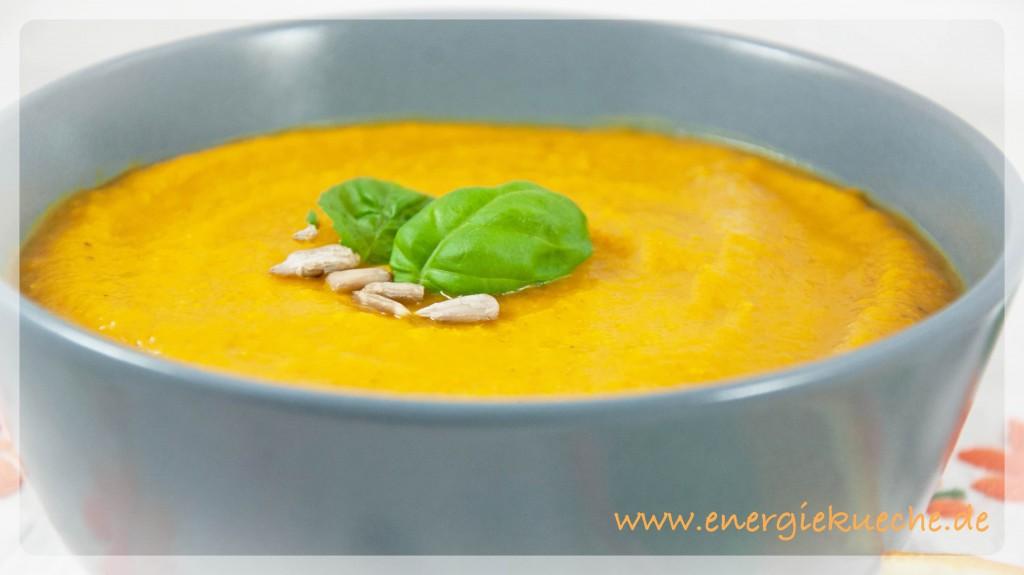 Köstliche 5-Elemente-Suppe mit Kürbis und Karotten