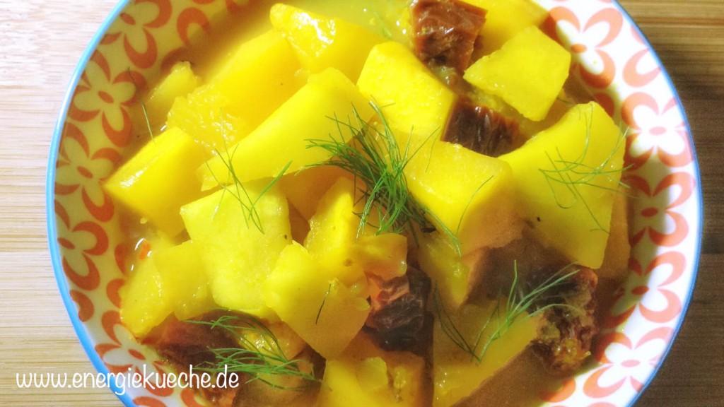 Veganes Kürbis-Curry mit getrockneten Tomaten