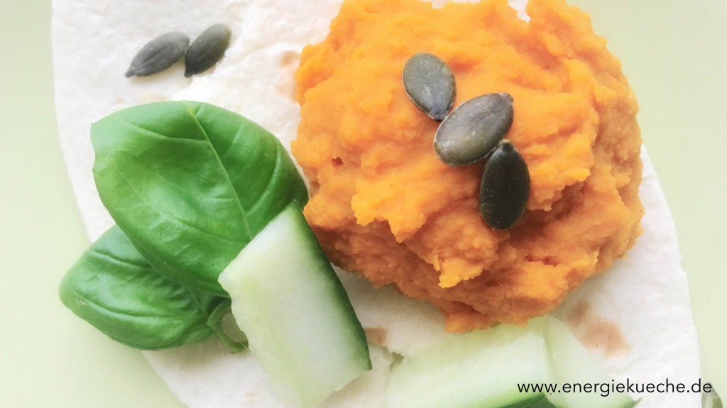 Linsenaufstrich mit frischen Kräutern und Gemüse